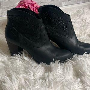 Ugg Charlotte Seaweed Black Laser Cut Boots Size 8